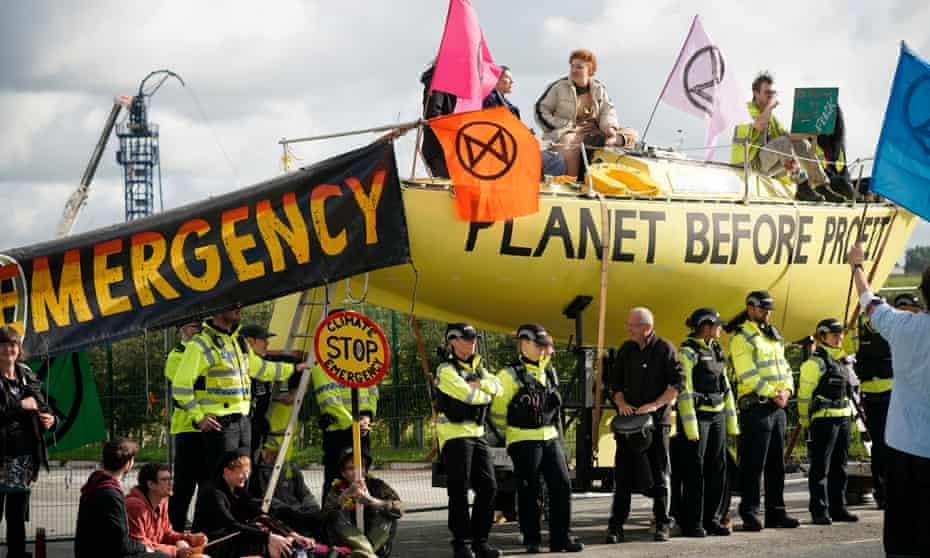 Extinction Rebellion activists block the entrance to the Cuadrilla site near Blackpool