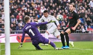 Casemiro's shot for the game's opening goal leaves Sevilla goalkeeper Tomas Vaclik helpless.