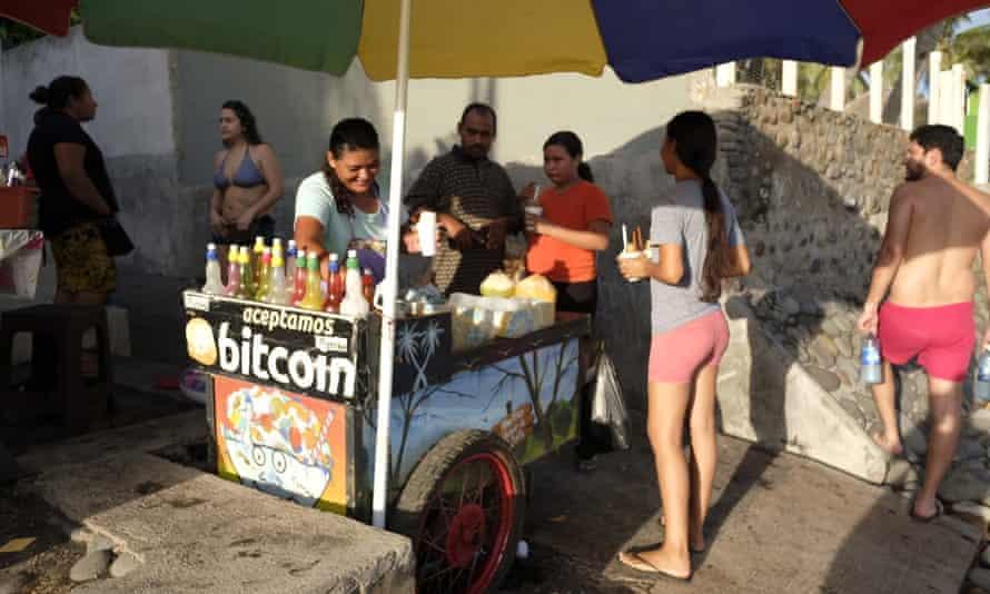 Dominga Peña's beach stall
