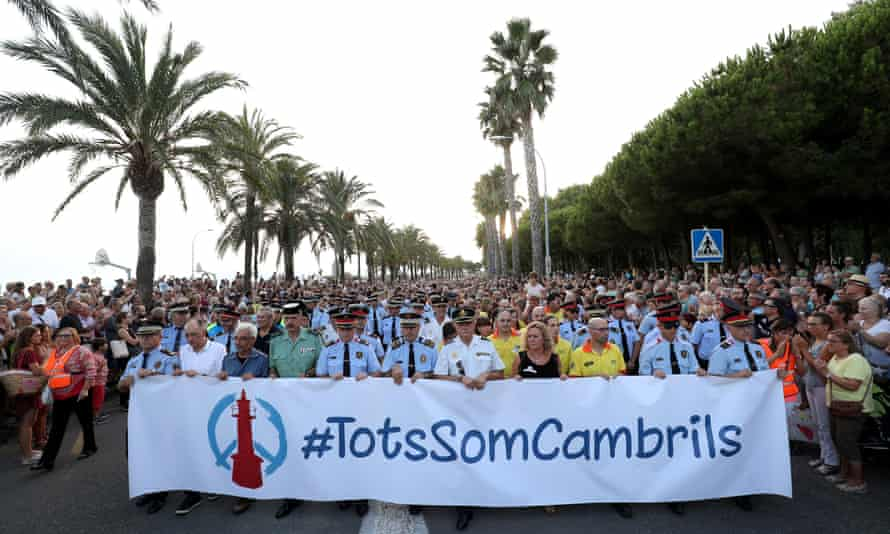 Thousands attended a march in Cambrils on Friday night. The banner says 'We are all Cambrils'.