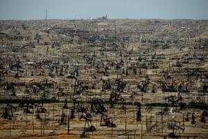 Oil pumping jacks