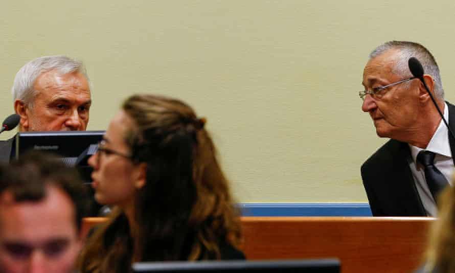 Jovica Stanišić (l) and Franko Simatović in court in 2017