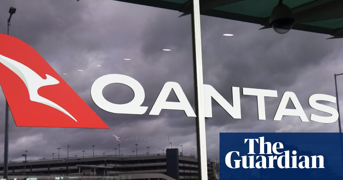 Nine and News Corp donate advertising space to back Qantas push for open borders