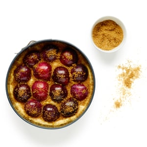 Sprinkle the plums with sugar, cinnamon and lemon zest before topping with the streusel.