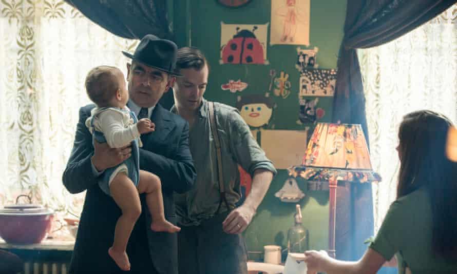 Maigret Sets a Trap: Rowan Atkinson as Maigret and Alexander Campbell as Denis Lecoin.