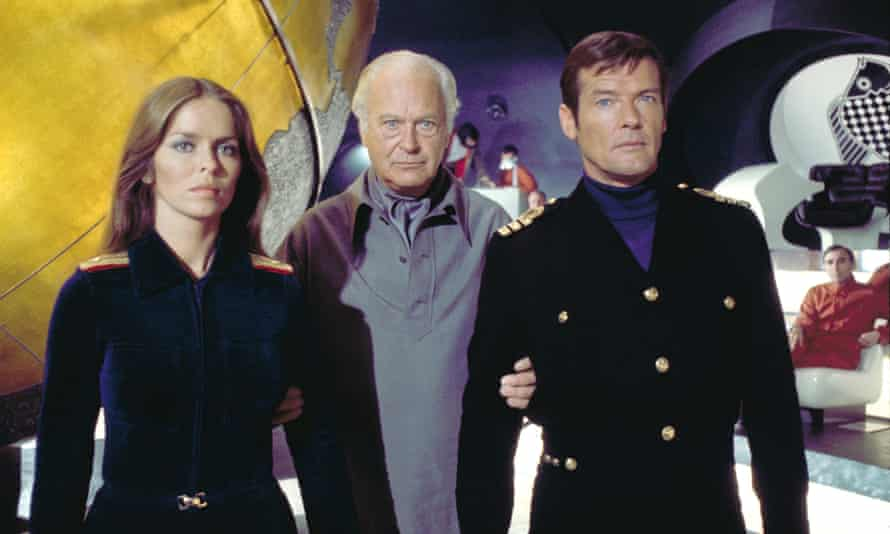 Roger Moore with Barbara Bach and Curd Jürgens in The Spy Who Loved Me, 1977.