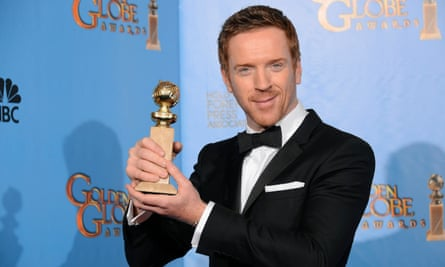Damian Lewis with his 2013 Golden Globe award for for Homeland