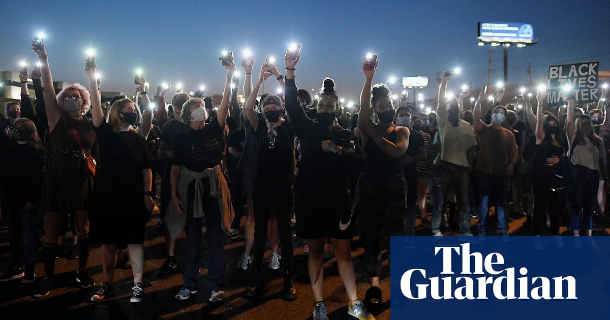 Breonna Taylor decision: protesters take to streets for second night - the guardian