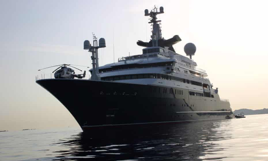 The super-yacht Octopus