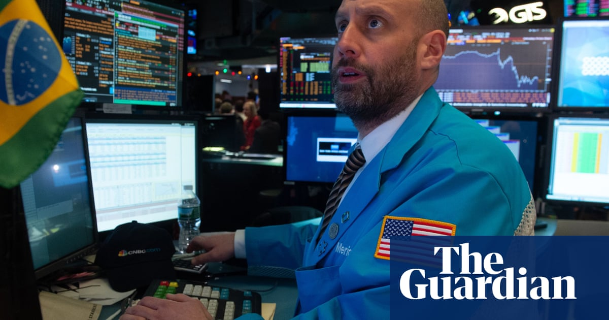 US stock markets drop amid interest rates hike and looming