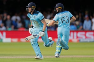 Ben Stokes and Jos Buttler run between the wickets