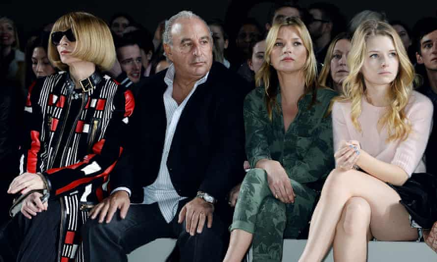 Anna Wintour, Philip Green, Kate Moss and Lottie Moss at London fashion week in 2014.
