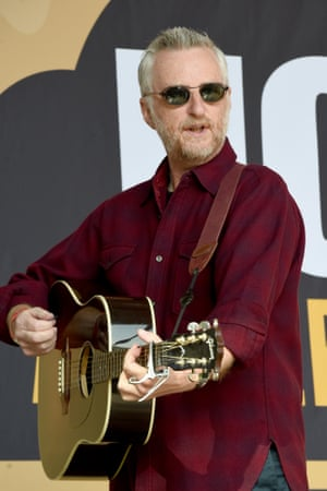 Billy Bragg warms up the crowd