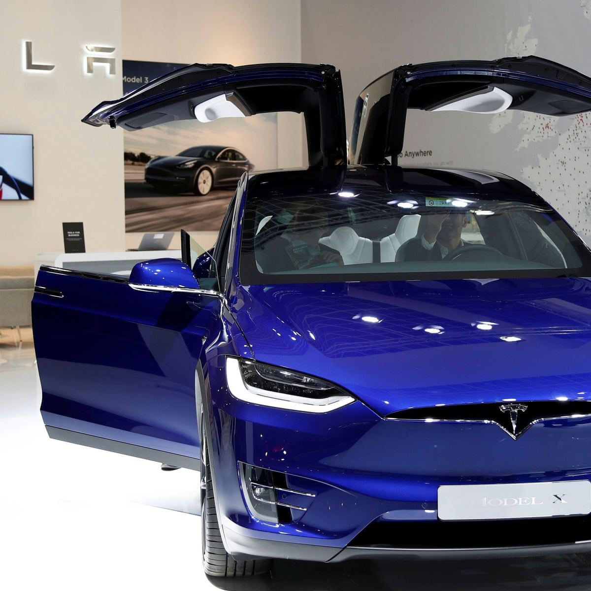 Tesla Shares Surge And Company Says It Expects To Sell 500 000