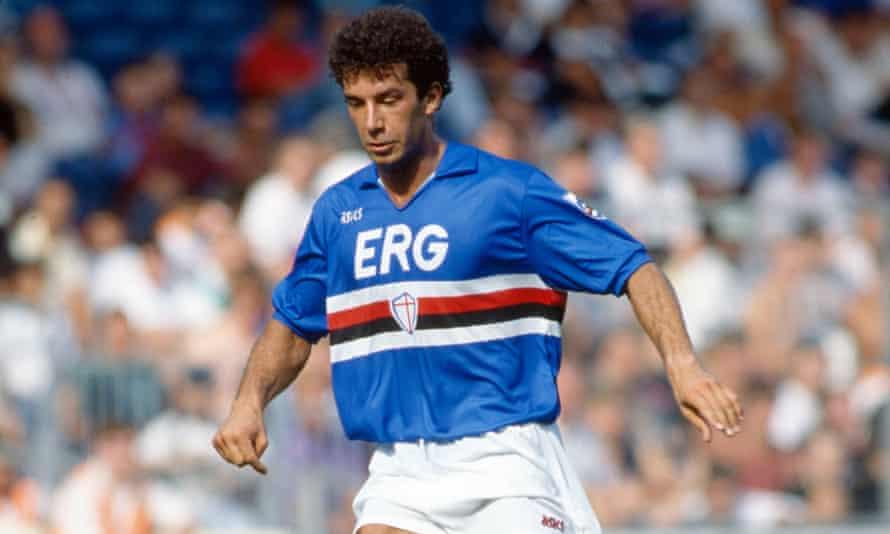 Gianluca Vialli playing for Sampdoria in 1990.