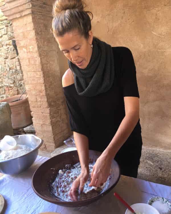 Farrell Monaco making ancient Roman bread.