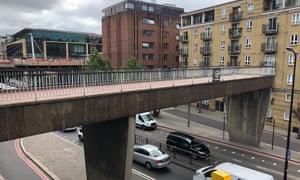 Fyefoot Lane pedway, over Upper Thames Street.