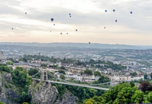 Bristol, UK: Hot air balloons take to the skies over Clifton Suspension Bridge