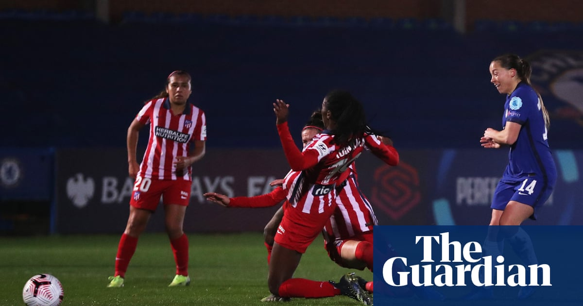 Fran Kirby strike helps Chelsea defeat Atlético Madrid despite Ingle red card