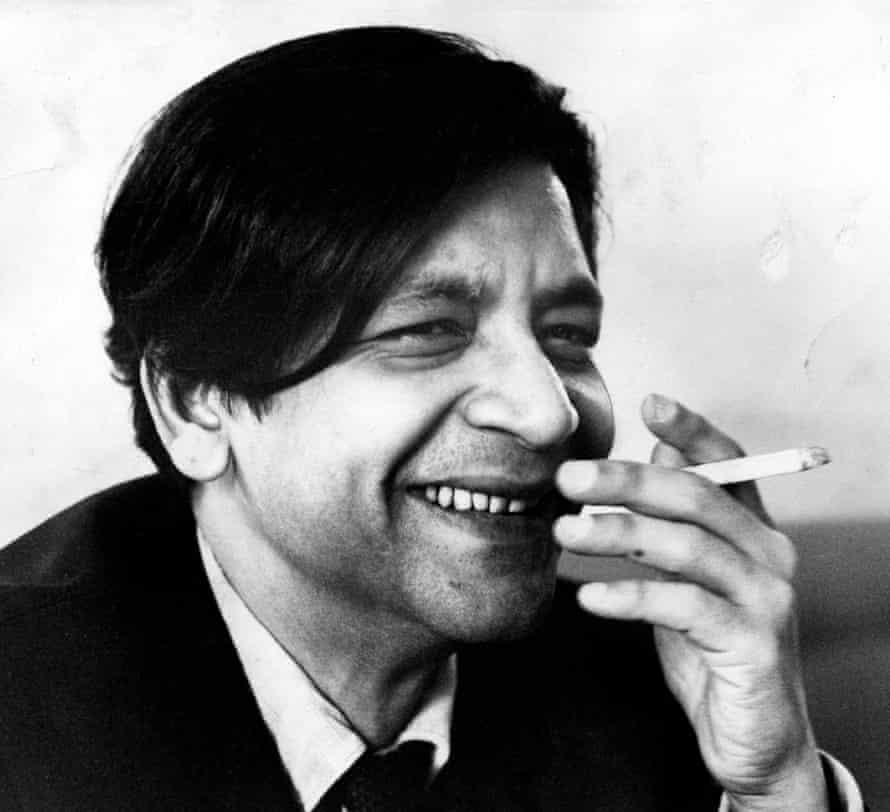 An entire world of experience on which to draw … VS Naipaul in the 1960s.