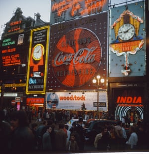 piccadilly circus in 1970
