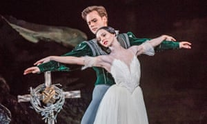 Francesca Hayward as Giselle and Alexander Campbell as Albrecht.