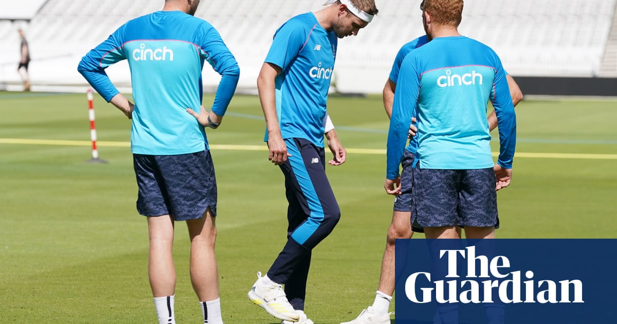 England's Stuart Broad a serious doubt for India Test with calf injury