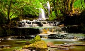 Gibsons Cave Waterfall, Bowlees.