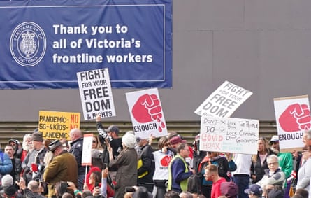 Anti-vaxxers and Victorians fed up with the coronavirus lockdown broke physical distancing rules to protest in Melbourne's CBD on Mother's Day.
