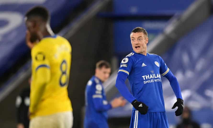 Jamie Vardy celebrates after scoring Leicester's second goal.