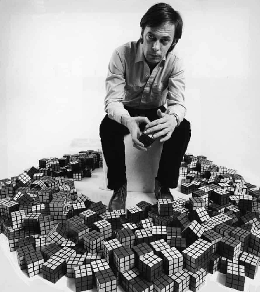 Rubik surrounded by Cubes in 1980.