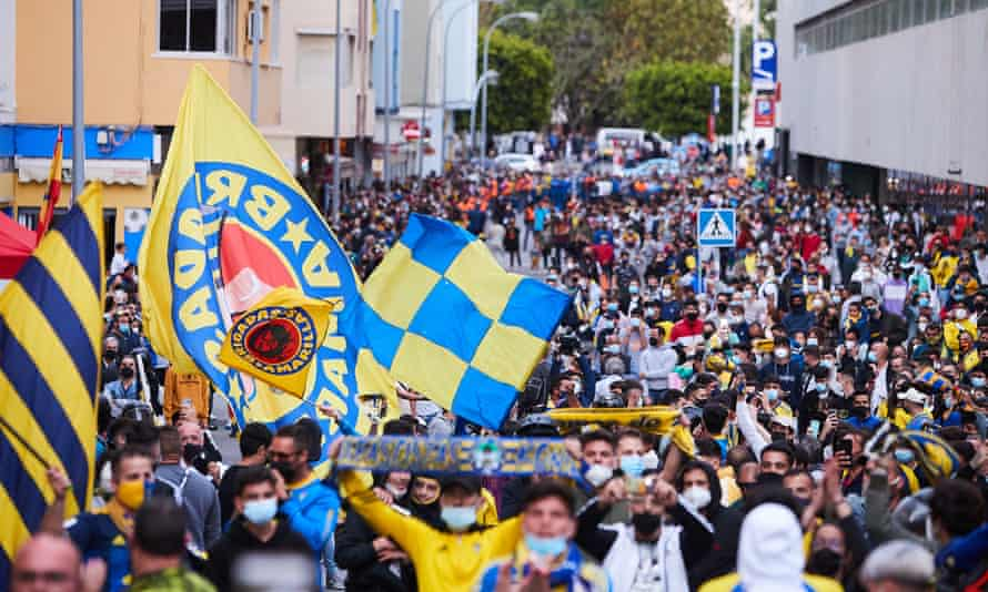 Fans gather to protest the Super League proposals before Real Madrid's game at Cádiz on Wednesday.
