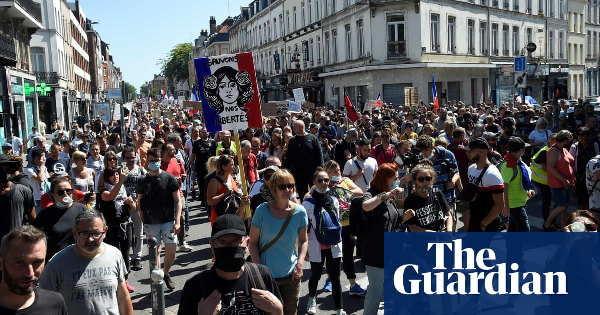 Fifth consecutive weekend of protests in France over Covid pass