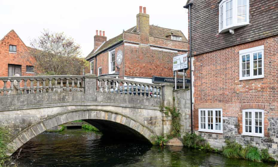 A property in Winchester will cost buyers an average £630,432.