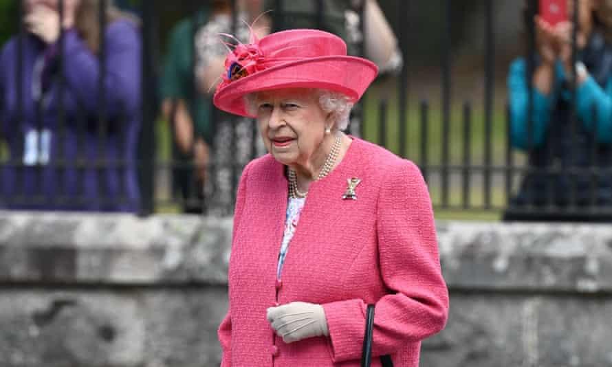 Königin Elizabeth II. im Buckingham Palace im August.