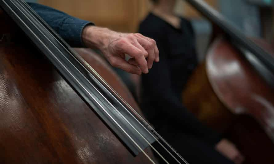 A cello being played