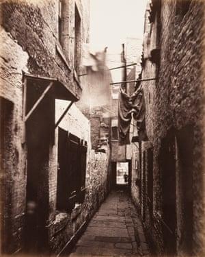 Close, No. 101 High Street, 1868 -1871