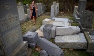 At Mount Carmel Cemetery in Philadelphia Monday.