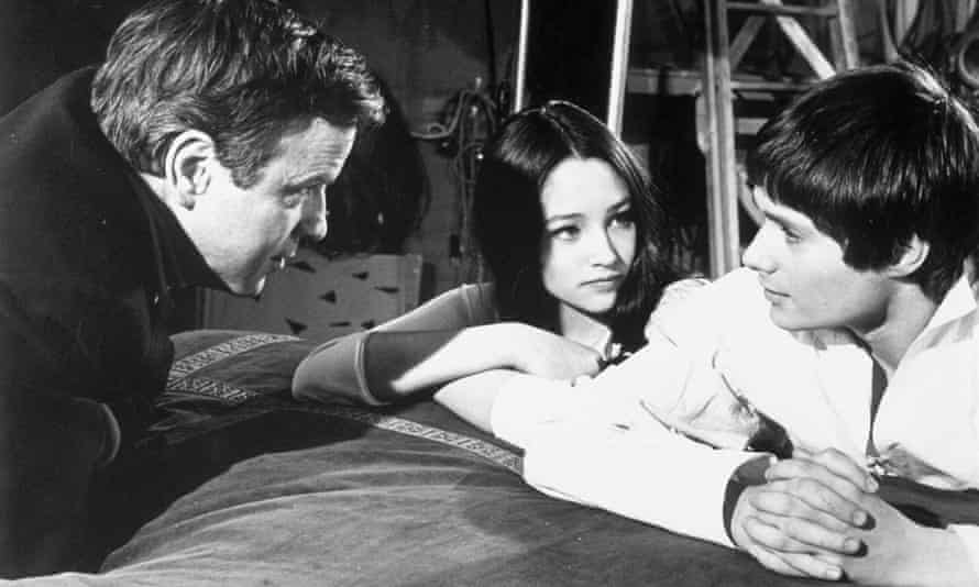 Franco Zeffirelli directing Olivia Hussey and Leonard Whiting in his film version of Romeo and Juliet.