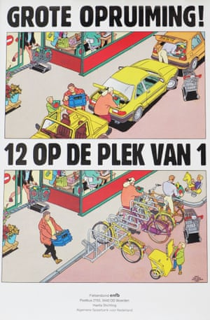 Poster by Fietsersbond promoting the space efficiency of parking bikes vs cars
