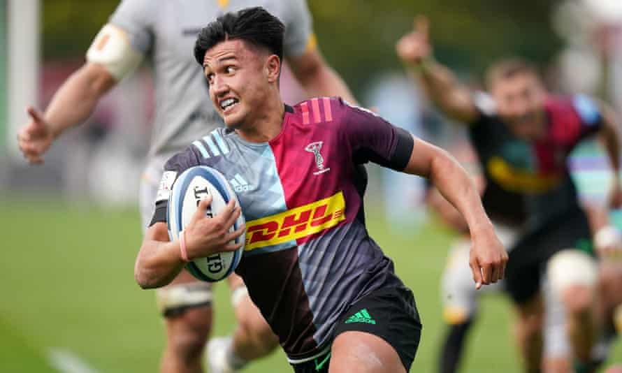 Harlequins' Marcus Smith on his way to scoring the winning try during the dramatic win over Wasps.