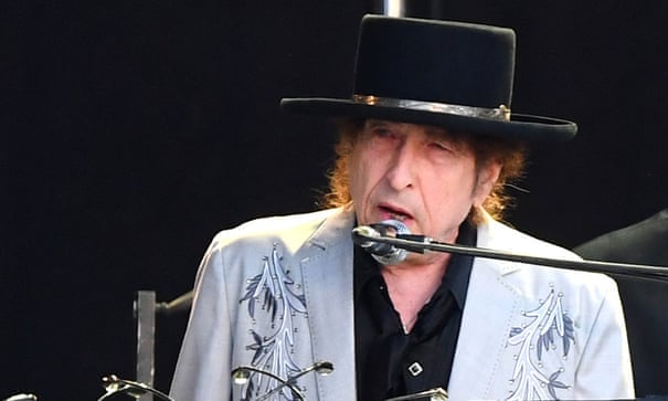 how old is bob dylan
