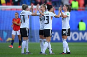 The German players celebrate their victory.