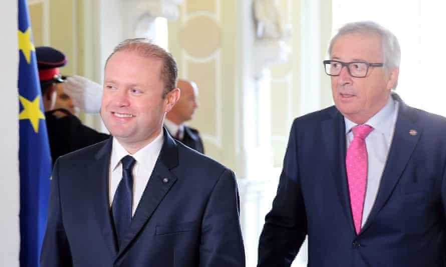 Joseph Muscat (left) and Jean-Claude Juncker in Malta.