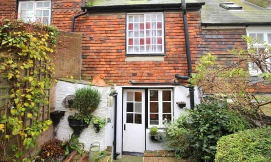 Grade II-listed cottage in East Sussex.
