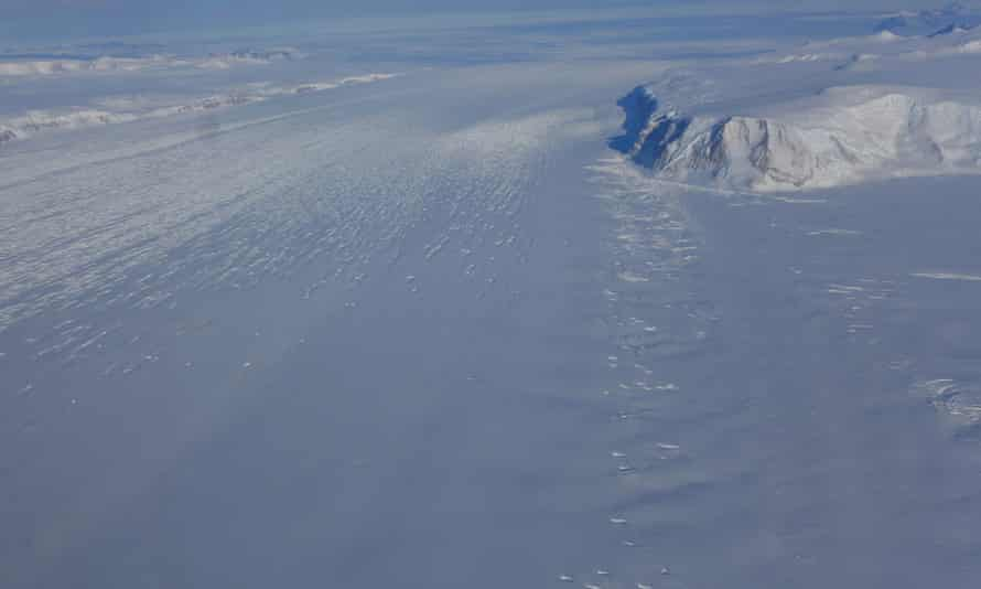 A tributary ice stream flowing from the Transantarctic mountains into the Ross ice shelf.