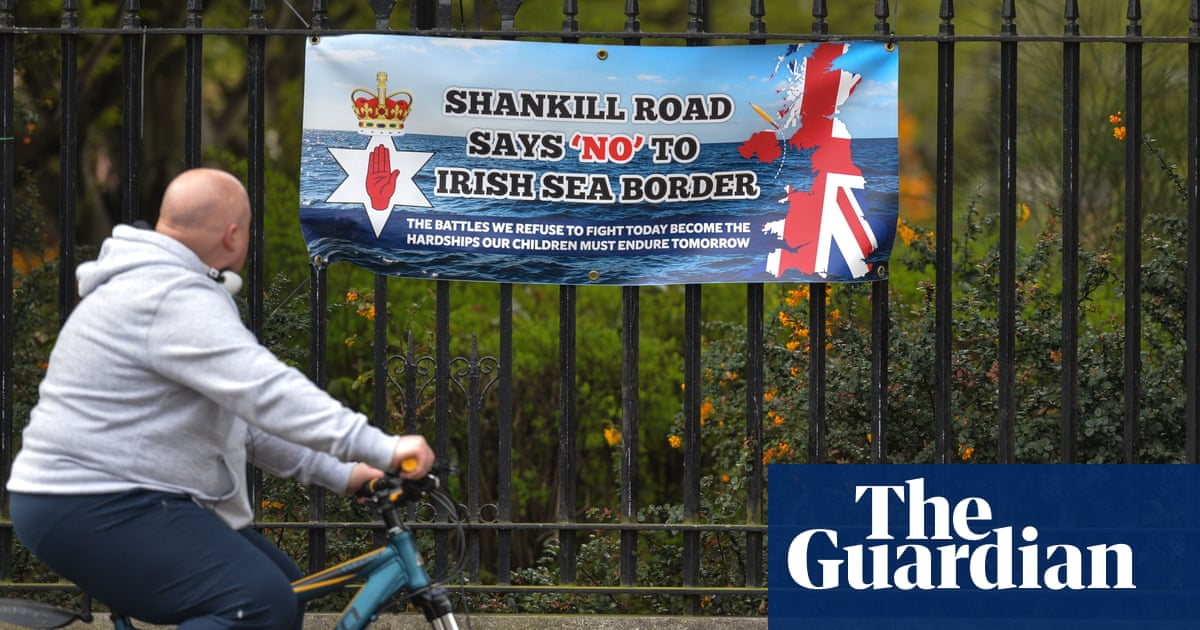 Senior loyalist says NI post-Brexit tensions 'most dangerous for years'