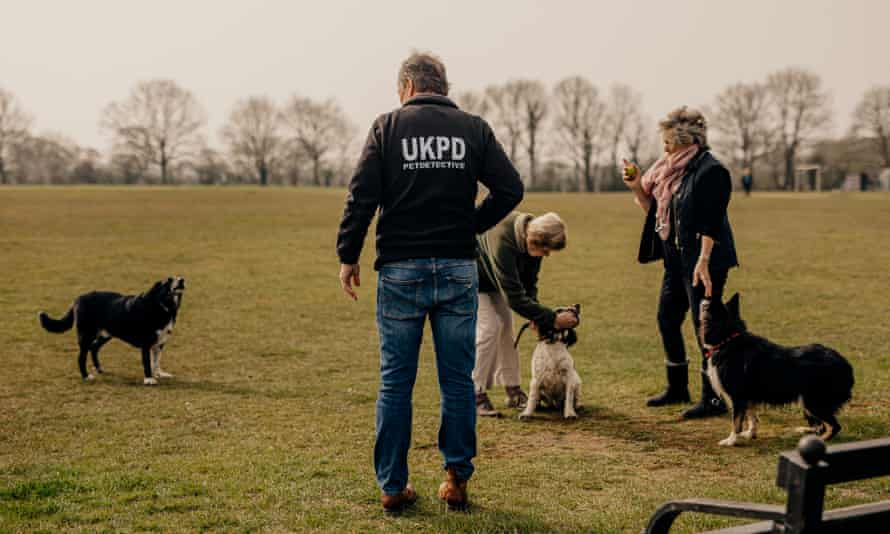 Colin Butcher of the UKPD talks to dog owners about dog thefts in Partridge Green, West Sussex.
