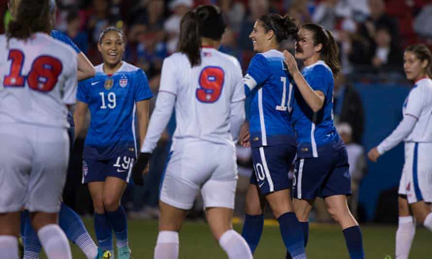 Jaelene Hinkle, left, and Carli Lloyd, middle: the best of young and old?