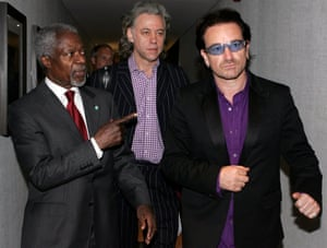 Annan arrives with Bob Geldof and U2 lead singer Bono for a session at G8 summit in Gleneagles, Scotland in 2005